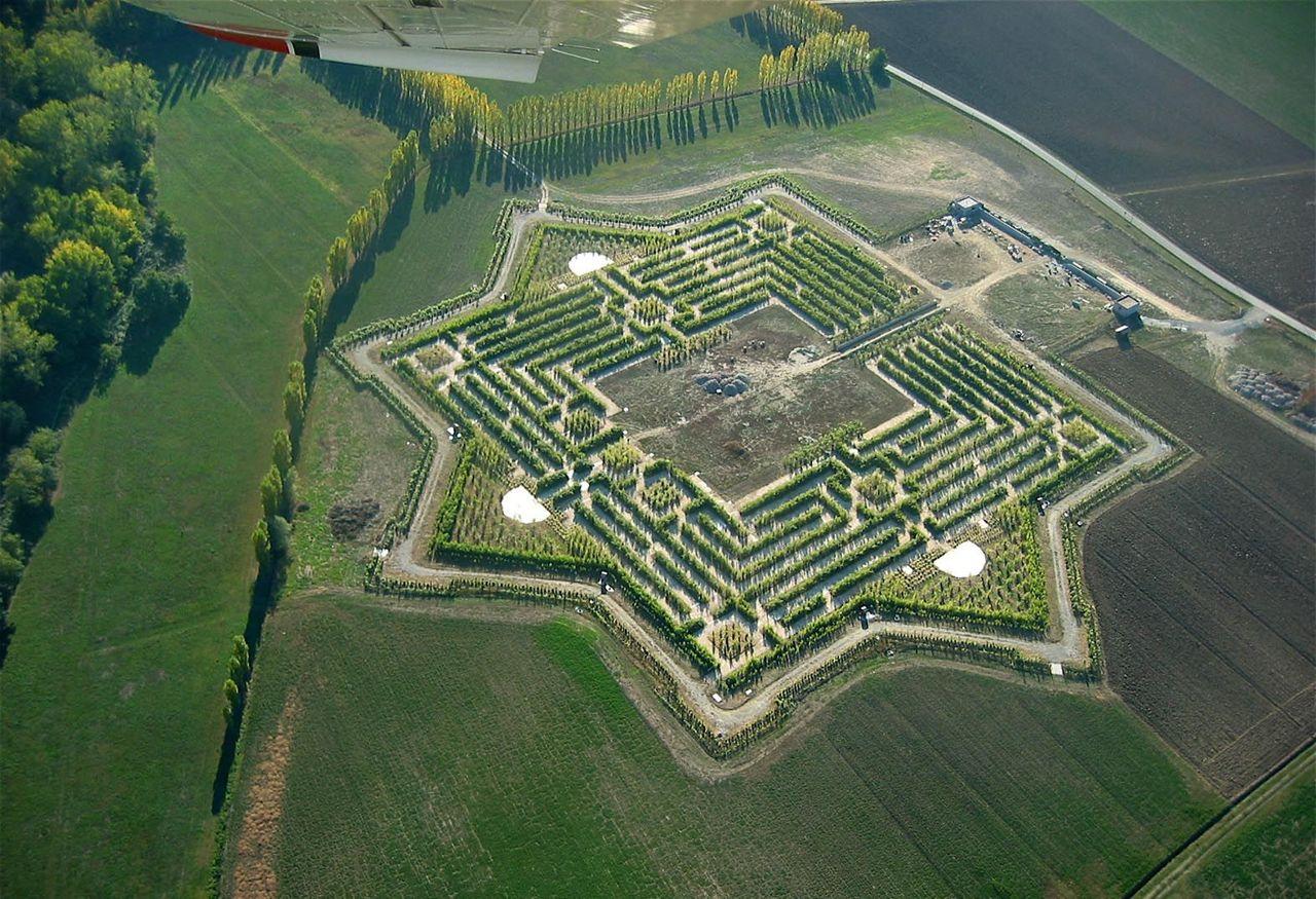 Email for Giardino labirinto