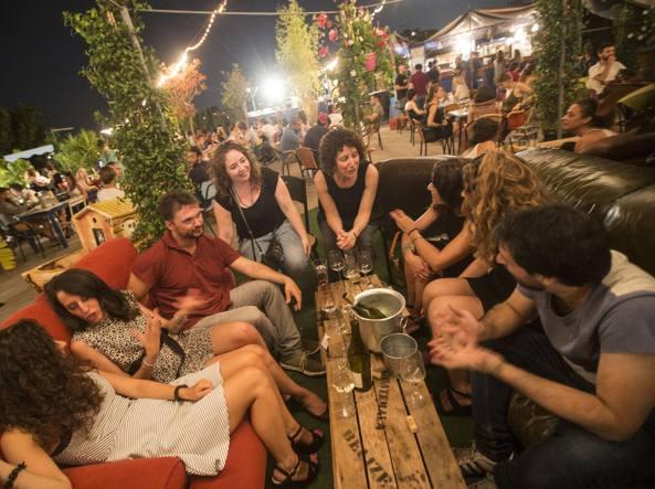 Un\'estate in terrazza: «rifugi»con vista dove bere e mangiare ...