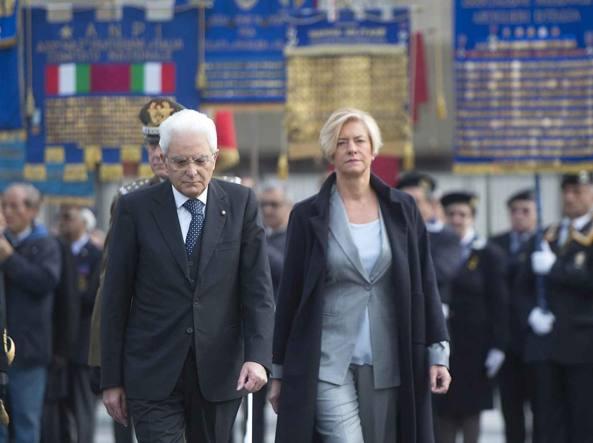 Sergio Mattarella e Roberta Pinotti (LaPresse)