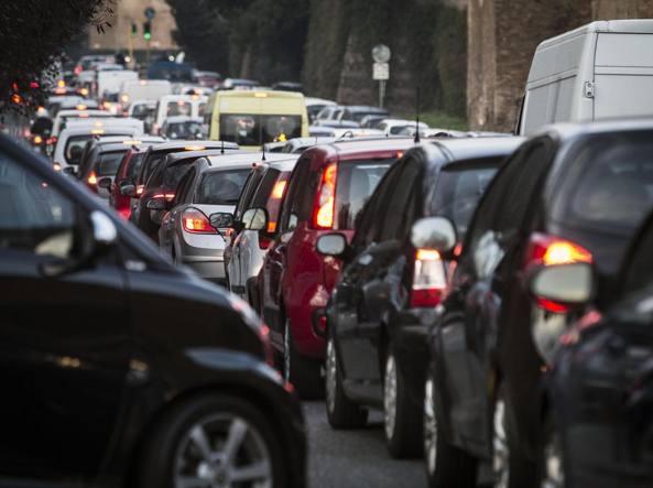 Smog a Roma, targhe alterne venerdì e sabato