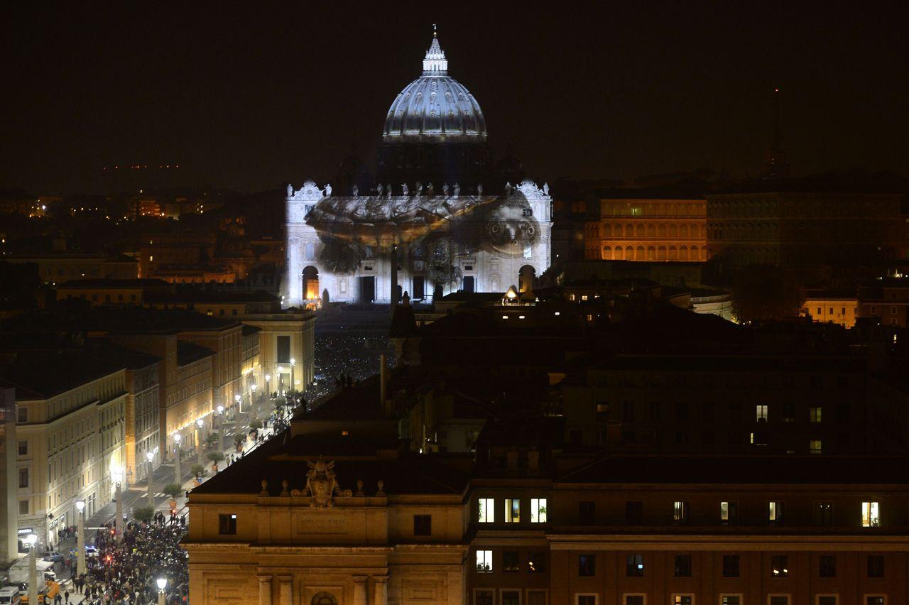 Fiat lux lo spettacolo della natura sulla facciata di san - Le finestre sul vaticano ...
