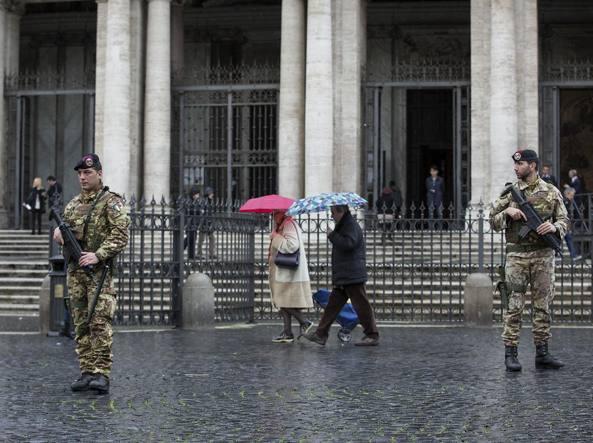 Santa Maria Maggiore controllata dai militari (LaPresse)