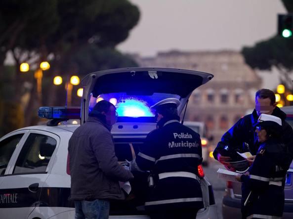 Incubo smog: Milano si ferma anche oggi, targhe alterne a Roma