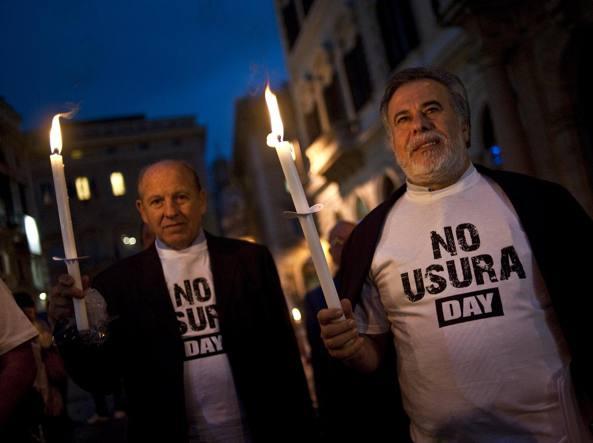 Una manifestazione contro l'usura alcuni anni fa a Roma (Ansa)