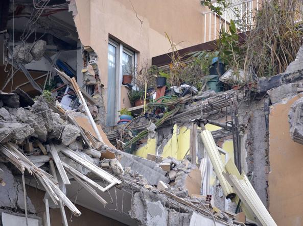 Il palazzo su lungotevere Flaminio 70 in parte crollato (Jpeg)