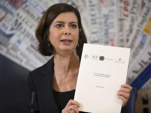 Laura Boldrini durante la presentazione nella sede della Stampa Estera