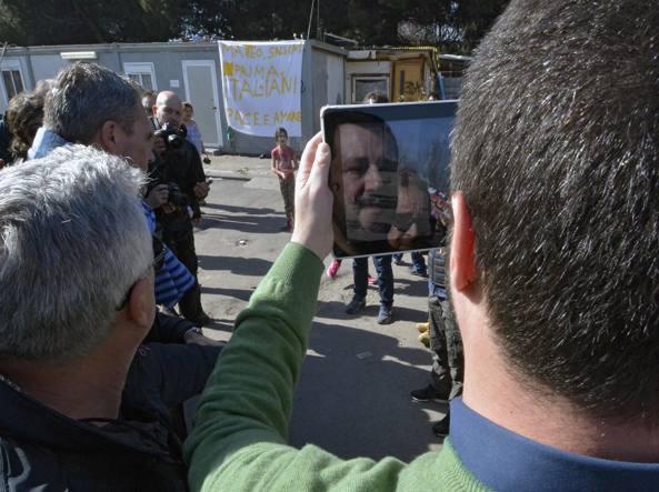 Matteo Salvini nel campo rom di via Salviati (Jpeg)