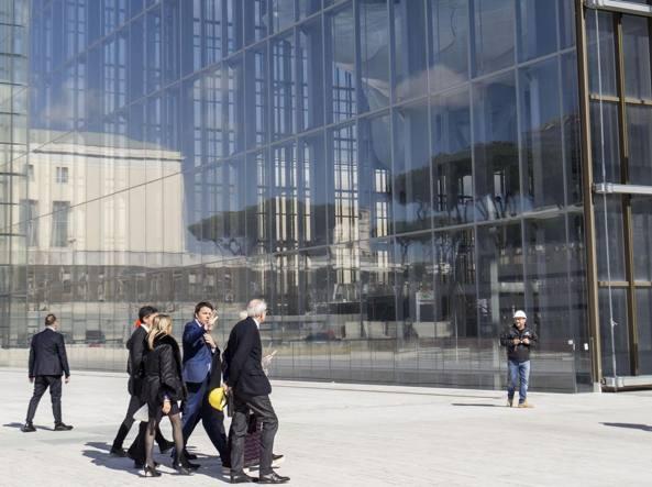Matteo Renzi, Francesco Tronca, Massimiliano Fuksas con la moglie in visita al cantiere della Nuvola (Jpeg)
