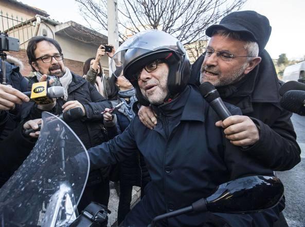 Giachetti e la Iena Lucci in scooter (Jpeg)