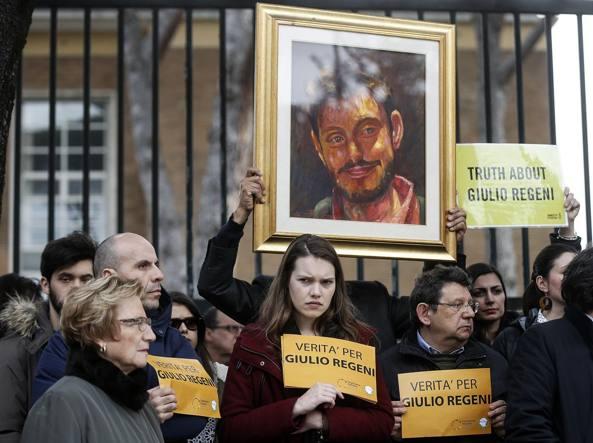 La manifestazione del 28 febbraio davanti all'ambasciata egiziana a Roma (Eidon)