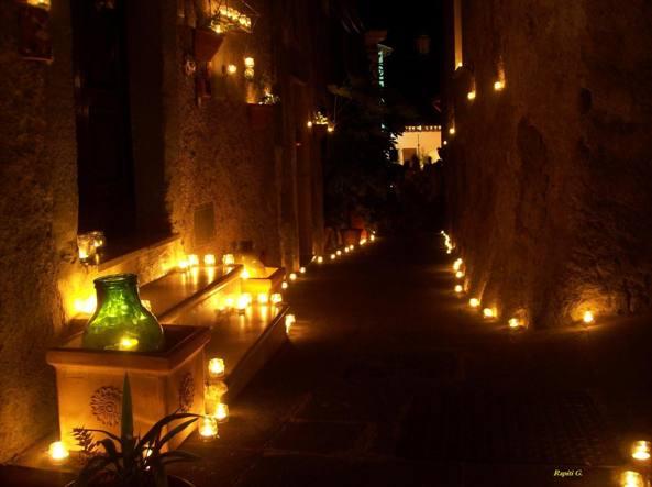 Candele Da Esterno Roma : Illuminare il giardino con le candele profumate