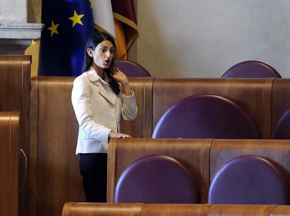 Virginia Raggi in aula Giulio Cesare (Lapresse)