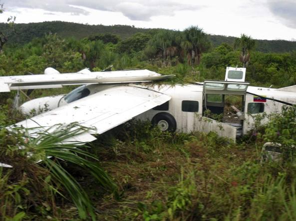 Rieti precipita un cessna feriti ma salvi i due piloti - In volo gemelli diversi ...