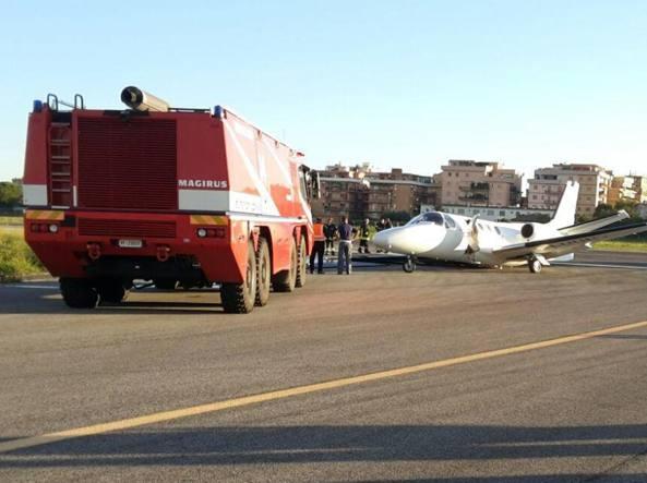 Roma, aereo fuoripista a Ciampino per un guasto al carrello
