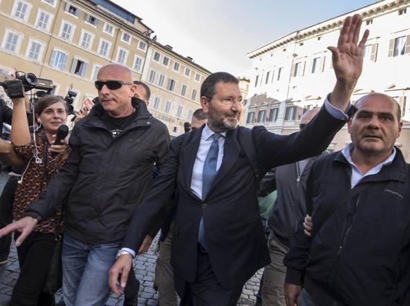 L'ex sindaco Ignazio Marino dopo la conferenza stampa all'hotel Nazionale (Lapresse)