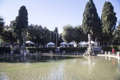 Viale mazzini nel giardino che fu montagne di foglie e - Mercatino di natale piazza mazzini roma ...