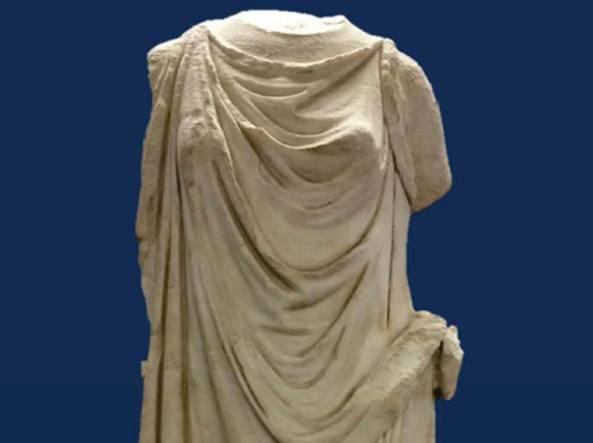 Ritrovato il Peplophos, una statua romana trafugata a Villa Torlonia