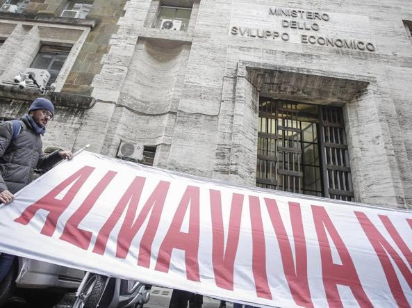 Almaviva, chiude la sede di Roma: partite 1.666 lettere di licenziamento