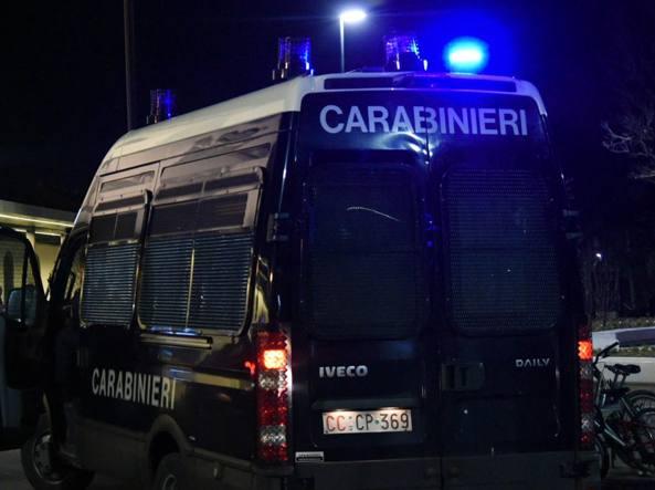 Notte folle a Roma: turisti ubriachi aggrediscono ragazza a calci e pugni