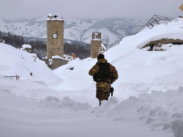 Terremoto e neve, un morto e tre dispersi: valanga su hotel