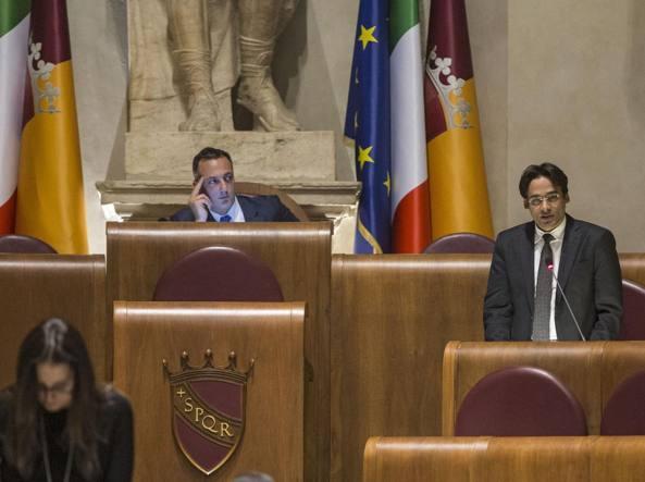 Virginia Raggi indagata per la nomina di Renato Marra