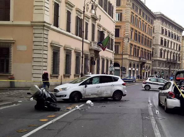 Scontro tra auto e moto a Corso Vittorio all'alba, morto 28…