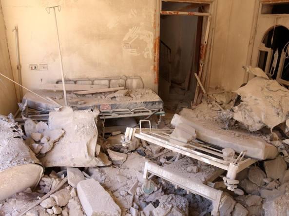 L'ospedale Saint Louis di Aleppo sventrato dalle bombe (Reuters)