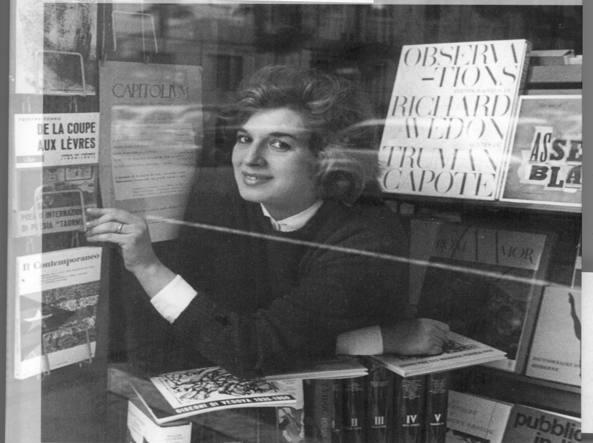 Agnese De Donato nella sua libreria «Ferro di cavallo»