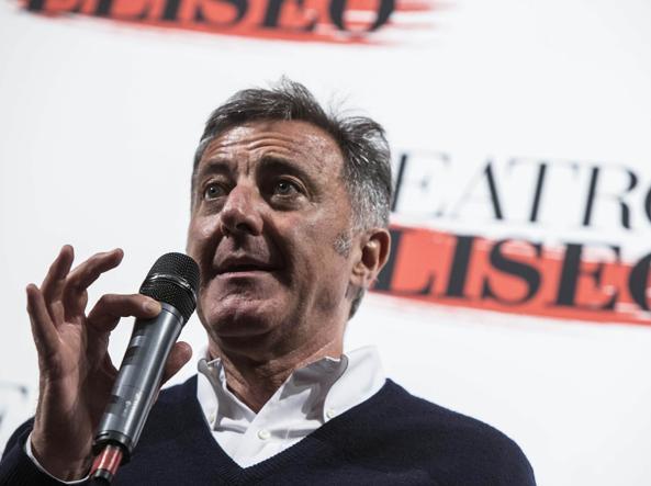 Luca Barbareschi annuncia la chiusura del teatro Eliseo (foto LaPresse)