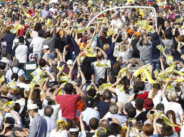 Centinaia i fedeli della Val Seriana a Monza per accogliere Papa Francesco