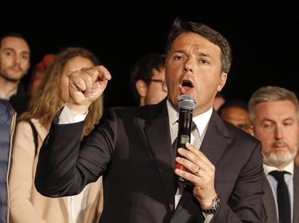 Matteo Renzi dopo la vittoria alle primarie (Ansa)