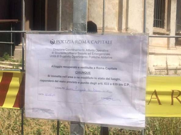Roma, bus contro albero provoca due feriti: uno è grave