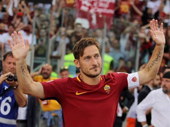 Francesco Totti alla sua ultima partita all'Olimpico contro il Genoa (Getty Images)