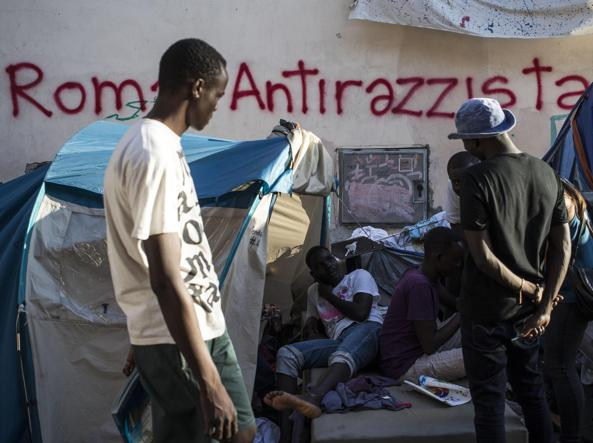 Roma: la Sindaca Raggi dice basta a nuove strutture di accoglienza