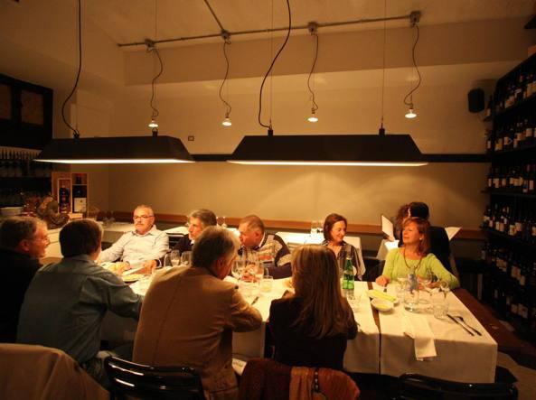 Il tavolo conviviale di Primo al Pigneto (Jpeg)