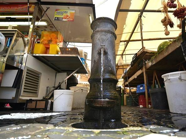 Emergenza idrica a Roma, mezza città rischia il razionamento dell'acqua