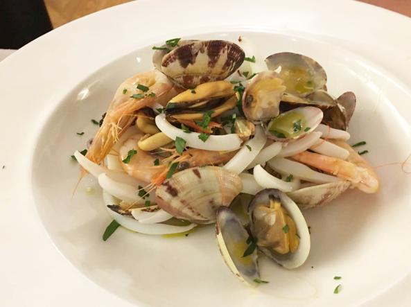 L'insalata di mare, specialità del posto