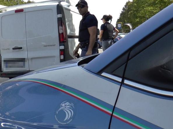 Terrorismo, controllati 27mila furgoni: 24 arresti e 157 sequestri