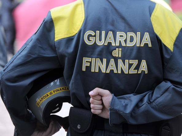 Arrestati tre imprenditori per bancarotta fraudolenta: sequestrate Jaguar e Land Rover