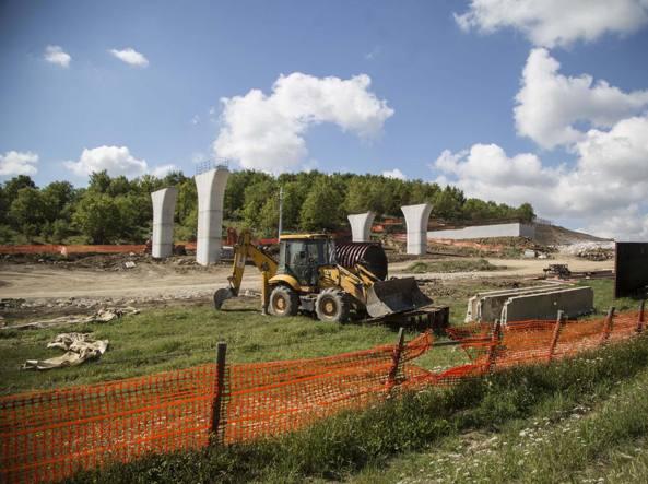 Il cantiere della Orte- Civitavecchia (Foto Lapresse)
