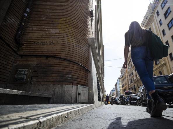 Turista tedesca aggredita dopo la discoteca, un altro tentato stupro a Roma