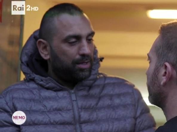 Ostia, giornalista aggredito da esponente del clan Spada