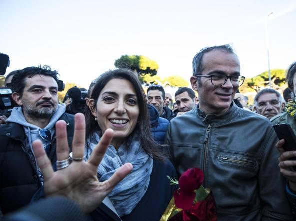 Ostia: Il corteo antimafia in difesa della stampa attacca i giornalisti