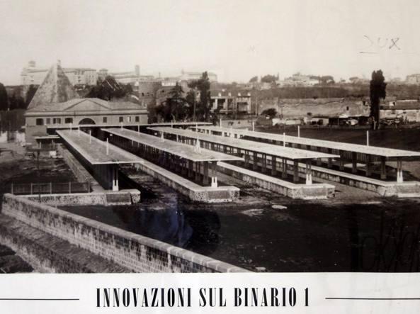 Una foto d'archivio del collegamento ferroviario tyra Roma e Ostia