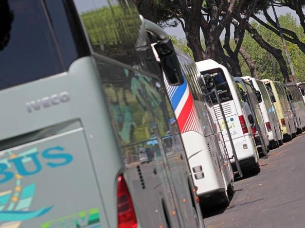 Va in scena la protesta dei bus turistici