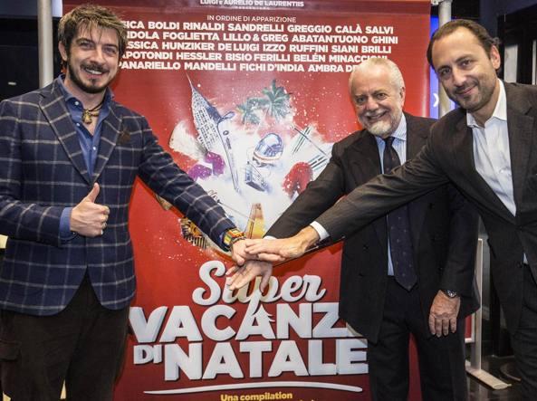 I produttori Aurelio e Luigi De Laurentiis, a destra, e il regista Paolo Ruffini
