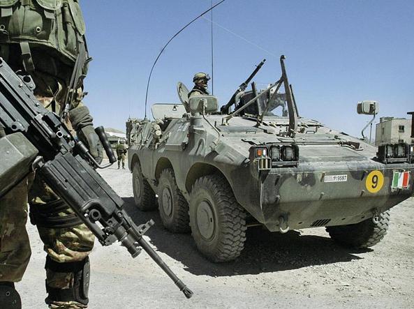 Un mezzo corazzato italiano in Afghanistan