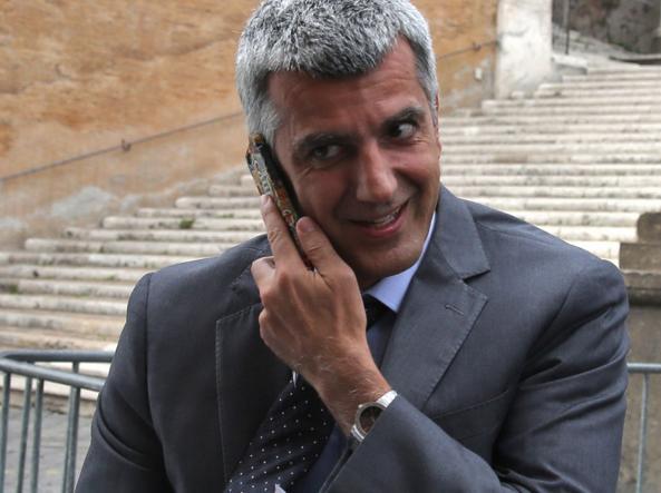 L'assessore  Adriano Meloni (foto Lapresse)