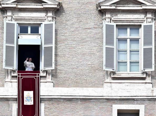 Il Papa: la Messa non si paga